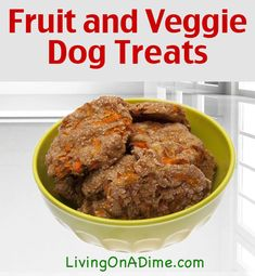 Healthy Dog Treats Fruit and Vegetable Dog Treats Recipe - Homemade dog and cat treats are super simple to make! These recipes are a great way to make your own pet treats, especially if your pet has allergies! Puppy Treats, Diy Dog Treats, Homemade Dog Treats, Dog Treat Recipes, Healthy Dog Treats, Dog Food Recipes, Jerky Recipes, Homemade Christmas Treats, Food Dog