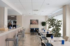 Timber Ceiling, Ceiling Tiles, Ceiling Design, Cafeteria Design, Healthy Environment, Metal Mesh, Planks, Ceilings, Madrid