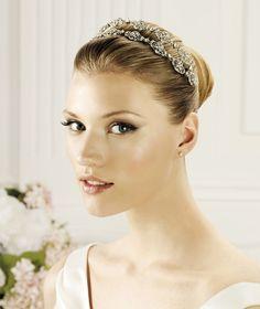 Pronovias präsentiert Ihnen den Kopfschmuck T2-2502 für die Braut. | Pronovias