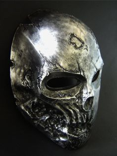 Army of Two face mask....wouldnt mind hanging this on my wall. That game is so fun and I totally kick ass.