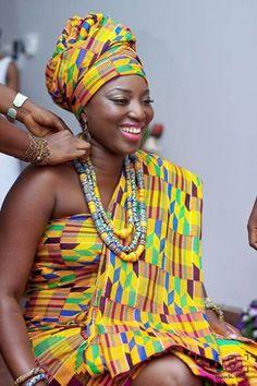 Ghanaian Bride in Kente Attire ...