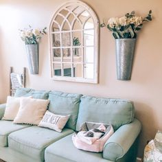Beautiful Rustic Wall Decoration Ideas to Make Your Home Cozy and Inviting - The Trending House Window Mirror Decor, Arched Window Mirror, Mirror Decor Living Room, Home Living Room, Room Decor, Wall Decor With Mirrors, Arched Wall Decor, Arch Mirror, Mirror Over Couch