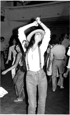 Cher, you're doing it again, we can't resist! Stunning from head to toe, and I can't get enough of the high rise with suspenders look. Cher, Studio 54, 1977. #REDUNHIGHRISE