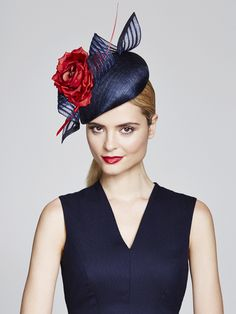 Jaunty navy cocktail hat by Julliette Millinery. Millinery Hats, Fascinator Hats, Fascinators, Sinamay Hats, Headpieces, Race Day Hats, Occasion Hats, Races Fashion, Stylish Hats