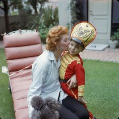 Lucille Ball and her son Desi Arnaz Jr, Los Angeles, California 1957 Photo: Gene Lester I Love Lucy, My Love, Classic Hollywood, Old Hollywood, Hollywood Stars, Hollywood Couples, Hollywood Homes, Hollywood Heroines, Hollywood Cinema