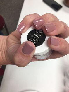 Revel Nail dip powder: Hush