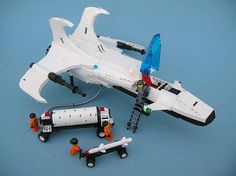 Neo Futuron Reconciler (ground crew) by Lego Monster, via Flickr