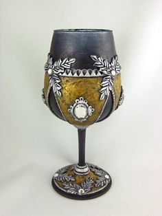 ~ Medieval Queen Goblet ~      This elegant Smokey Wine Goblet has lots of character for the Medieval Queen. It is hand painted smokey blac...
