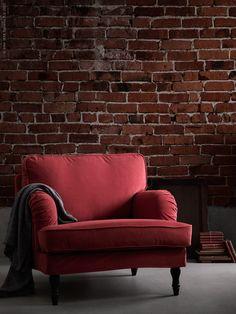 Enligt höstens trendtema på Formex går färgskalan i röda toner med inspiration av bränt tegel och patinerade faluröda fasader. Mjuka taktila textilier ger en ombonad känsla i kombination med trä, tegel och sten som ger en lite råare look.