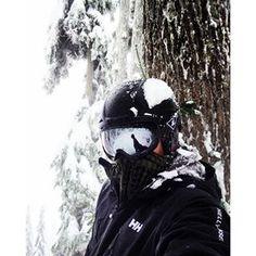 Photo from @gabriel.kava | #sunday #funday #snowboarding #cypress #vancity #vancouver #canada #explorebc #hellyhansen