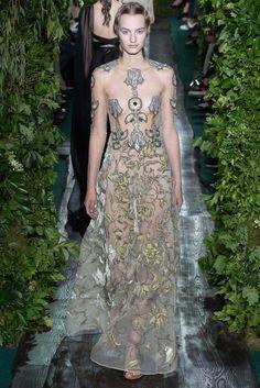 #Valentino #Paris #Couture #fashion #style #designer #moda #estilo #accesorios #accessories