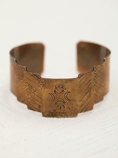 Laurel Hill Totem Cuff http://www.freepeople.co.uk/whats-new/totem-cuff/