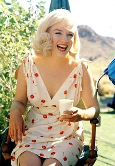Marilyn Monroe, photographed by Eve Arnold on the set of THE MISFITS (1960)