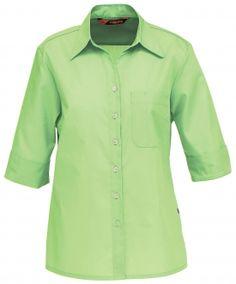 Naisten paitapusero 3/4 hiha. Paidassa on joustava ja miellyttävä materiaali, joka kestää teollista pesua. Istuva malli. Rintatasku vasemmalla. Hihan voi kääntää alareunasta, hihansuussa kaunis halkio.