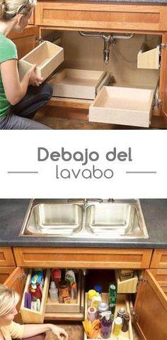 Crea una pequeña bodega debajo de tu lavabo y organiza todos tus detergentes y productos de limpieza. Diy Kitchen, Kitchen Decor, Kitchen Design, Kitchen Sink, Kitchen Organization, Kitchen Storage, Cocina Diy, Kitchen Drawers, Home Renovation
