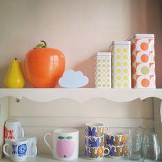 Peach & apple figurines zü: De-ci de-là