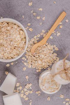 Ako vyrobiť vlastné mydlo s ovsenými vločkami a medom - Šperkovo. Coconut Flakes, Soap Making, Spices, Food, Spice, Essen, Meals, Yemek, Eten