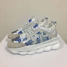 Versace Sneakers, Versace Shoes, Sneakers Fashion, Fashion Shoes, Shoes Sneakers, Street Fashion, High Fashion, Versace Versace, Shoes Men