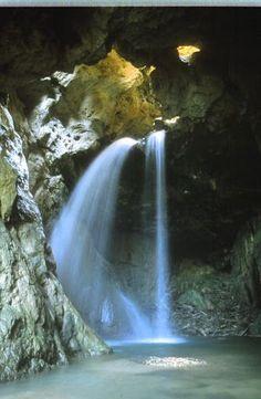 En nuestra visita a Teruel, uno de los sitios mágicos que vimos fue el hocino…