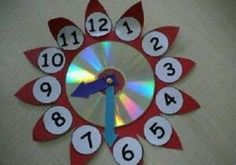 Here are the best 9 clock craft images and ideas for kids and adults. Clock crafts help the kids to learn about time and the importance of time. Cd Crafts, Diy Arts And Crafts, Recycled Crafts, Clock For Kids, Art For Kids, Crafts For Kids, Clock Craft, Diy Clock, Kindergarten Crafts