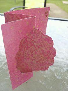 Scalloped Oval Flip-fold Card