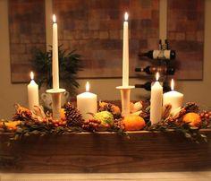 déco de table rustique en bougies dans un bac en bois