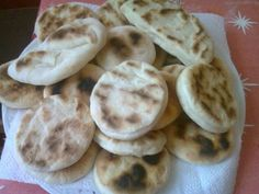 Cooking Bread, Foodies, Cake Recipes, Biscuits, Bakery, Lunch Box, Food And Drink, Pizza, Sweets