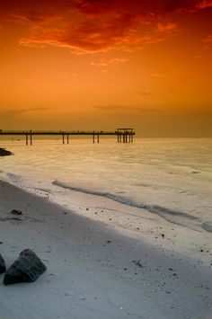 Sunset at the beach, Kuwait (by moliko on deviantART)