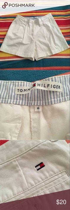 Tommy Hilfiger Size 6 White Shorts Good condition size 6 women's shorts Tommy Hilfiger Shorts