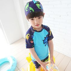 Free shipping 2017 NEW Handsome Children Swimwear Cute Baby Boy Fission Caps Hot Spring Bathing Suit To Send Caps