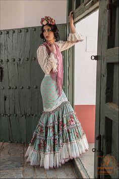 Colección moda flamenca 2016 - Bella