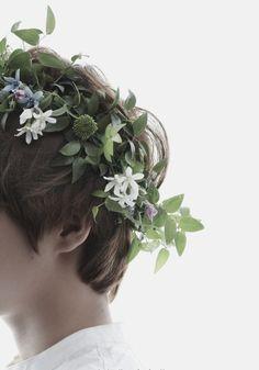 Картинка с тегом «flowers, boy, and exo»