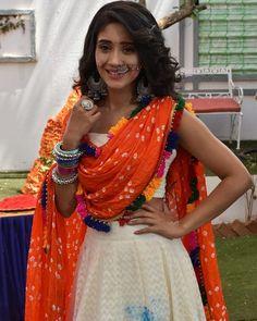 Gorgeous lady @shivangijoshi18, @yashoda.joshi.33