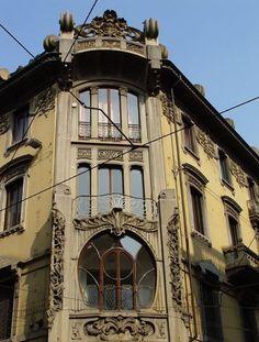 #Torino #Liberty: Casa Fiorio/Nizza in via Bertola. Foto: Torino Turistica