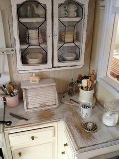 Shabby mini kitchen by Kim Saulter