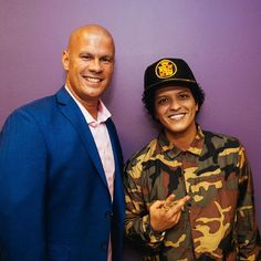 tnorman23 What a huge honor to meet the iconic @brunomars /Bruno Mars 24k Magic World Tour (Oct/22/2017)