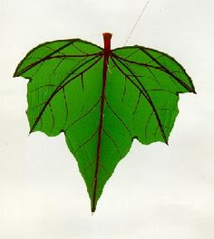 Leaf Kite - Leaf kites, used in Bali for fishing, are believed to be some of the oldest kites, dating back 2,000 years. Via Kiteman.co.uk.