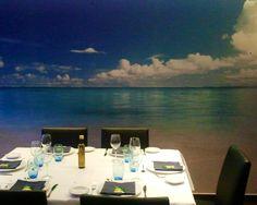 Maravillosa escena para una cena de lujo frente al mar, restaurante LES BARQUES de CAMBRILS en Tarragona. Fotografía realizada por MOBLES CAMBRILS.
