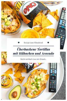 Nachos überbacken - nicht einfach nur ein Snack zum Filmabend sondern eine richtige Mahlzeit! Einfach und schnell zubereitet und richtig lecker!  Rezept: Überbackene Chio Tortillas mit Hähnchen und Avocado #anzeige #chio #chiotortillas #rezept