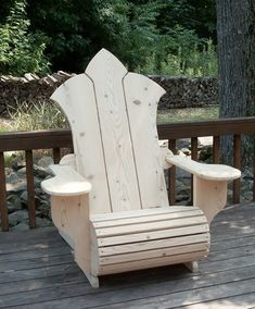 These Adirondack chair plans will help you build an outdoor furniture set that becomes the centerpiece of your backyard . It's a good thing that so many plastic patio chairs are designed to stack and the aluminum ones fold up flat. Adirondack Chair Plans, Outdoor Furniture Plans, Woodworking Furniture, Pallet Furniture, Furniture Projects, Rustic Furniture, Furniture Design, Antique Furniture, Teds Woodworking
