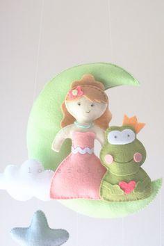 Bebé móvil bebé princesa móvil mobile Luna por lovefeltmobiles
