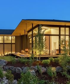 kengo kuma's suteki home in portland encourages year-round outdoor living