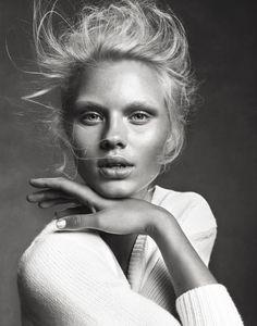 Com fashion shoot, fashion poses, beauty photogra Portrait Poses, Studio Portraits, Female Portrait, Photography Women, Beauty Photography, Portrait Photography, Editorial Photography, Blonde Photography, Fashion Photography