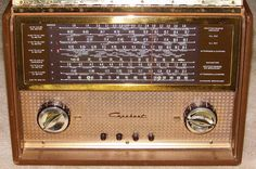 Vintage Capehart International Multi-Band Portable Radio, Model 88P66NL, 5 Tubes, Line & Battery Powered, Made In USA, Circa 1955.