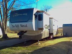 2007 KZ Escalade Luxury Trailer (OK) - $59,900 Please call Dennis @ 405-627-3100 to see this 5th Wheel. 5th Wheels, Rv For Sale, Recreational Vehicles, Luxury, Camper Van, Campers, Motorhome