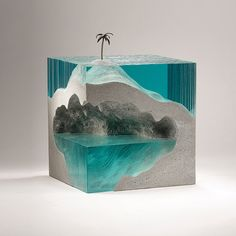 """5,107 Me gusta, 140 comentarios - Ben Young (@benyoung_sculpture) en Instagram: """"'Solitary' laminated float glass, cast concrete and bronze detail. Now showing @redseagallery…"""""""