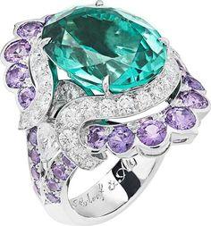 Nœud Marin ring: Oval-cut green tourmaline of 10.78 carats, mauve…