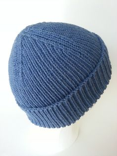 Ravelry: Ribelation by Anne Gagnon - the rib as well as the smaller needles make for a dense, very warm hat. The stitch is also super stretchy so the pattern is written in one size with changes to the length to accommodate different sizes. Knitting Patterns Free, Knit Patterns, Free Knitting, Baby Knitting, Free Pattern, Mens Hat Knitting Pattern, Baby Hat Patterns, Knitting Stitches, Knit Or Crochet