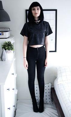 Speckled Crop Top, High Waisted Tight Skinny Black Joni Jeans & Black Platform Boots