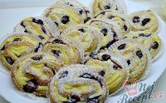 Koláče | Božské recepty | Page 20 Czech Desserts, Cake Recipes, Dessert Recipes, Sweet Cookies, Hungarian Recipes, Cakes And More, Doughnut, Sweet Tooth, Deserts
